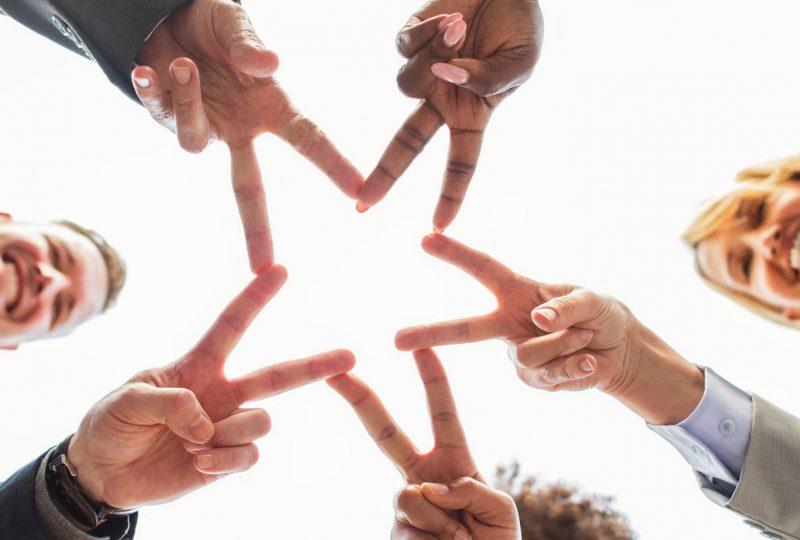 El trabajo en equipo aprovecha los talentos de cada empleado