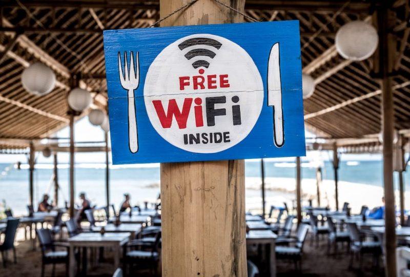 Los peligros de conectarse a una Wifi pública con el dispositivo de empresa