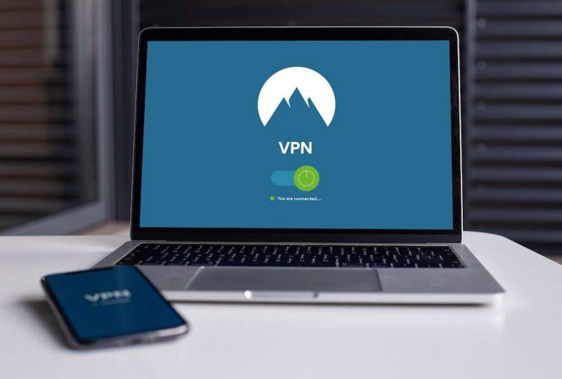 ¿Utilizas VPN gratuitas para conectarte a Wifi? ¡La seguridad de tu móvil de empresa está en riesgo!